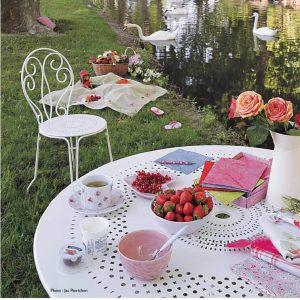 French Garden Furniture Metal Set