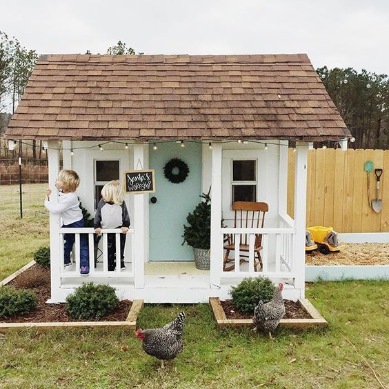 4 Cool Garden Playhouse Ideas: Find The Perfect One