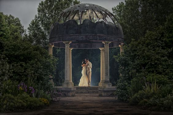 botanical garden wedding bride-and-groom-at-twilight