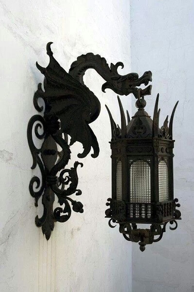 garden lanterns-gothic-dragon