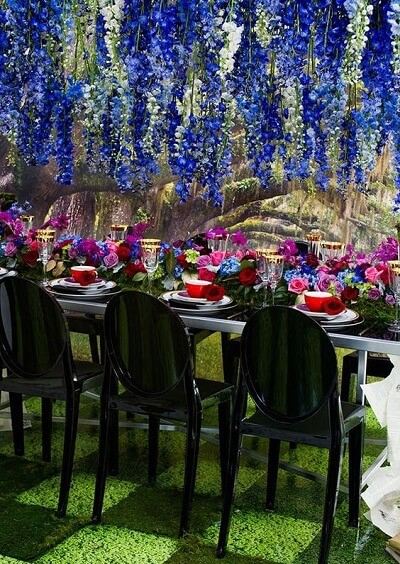 Sensational color themes for a garden wedding - Alice in wonderland outdoor decorations ...