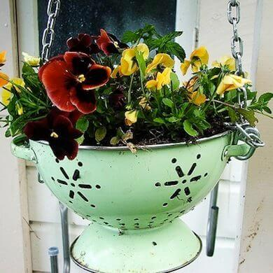 how to make flower pots from waste colander