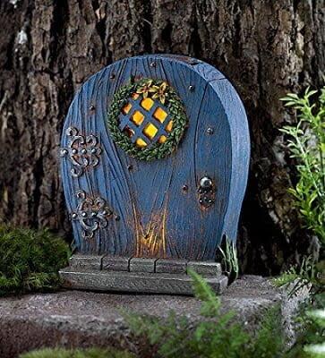minituare-door with fairy lights