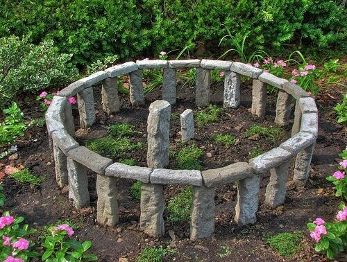 rock garden ideas stonhenge design