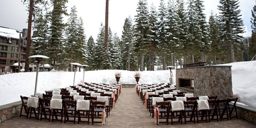 wedding seating arrangement outside in the snow