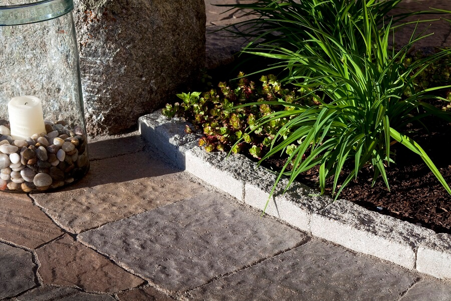 9 Amazing Affordable Landscape Edging Ideas
