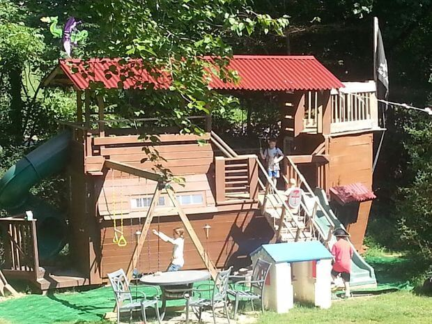 playhouse that looks like a pirate ship
