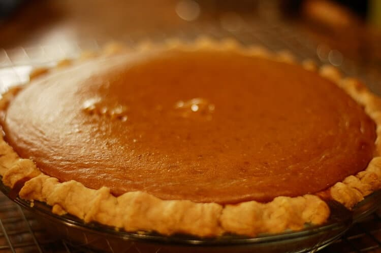 Pumpkin pie with crust