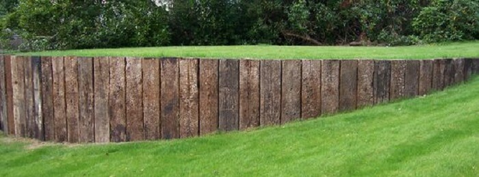 Railroad ties garden wall, railroad ties landscaping