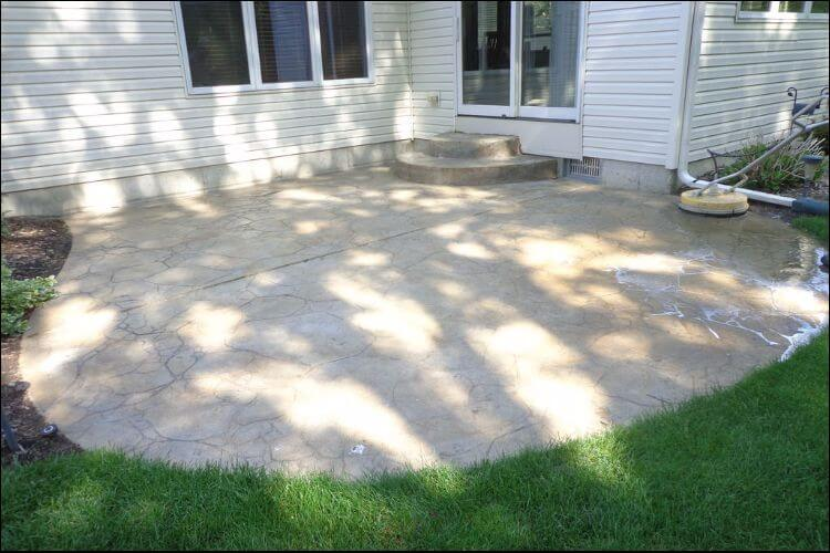 Round stained concrete patio