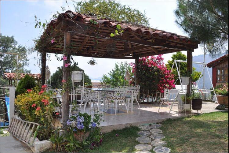 Mediterranean pergola style