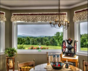 sun porch furniture ideas, Sun porch dining table with great view