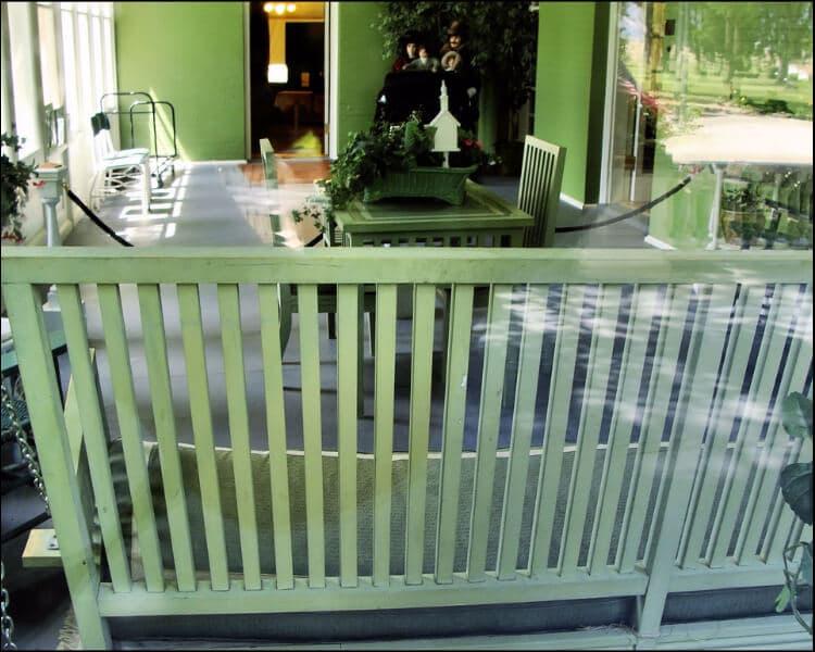 sun porch furniture ideas, Sun porch green bench with green decor