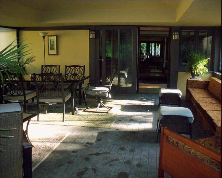 Sun porch sofa and decor, sun porch furniture ideas