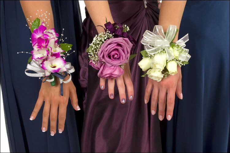 wedding flower guide bridesmaids flowers