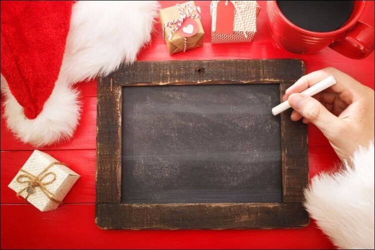 outside Christmas decoration ideas chalkboard sign