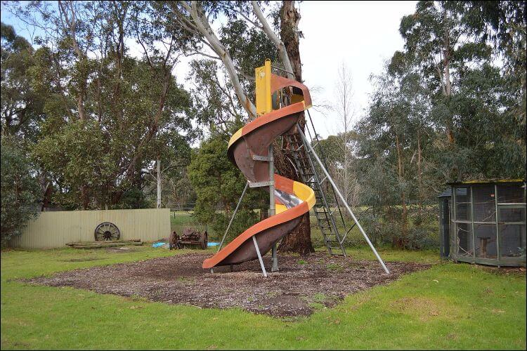how to build a slide spiral slide in the backyard