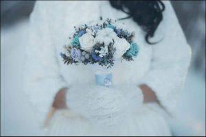 winter wedding ideas winter bouquet