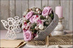 winter wonderland wedding centerpieces in the shape of a heart