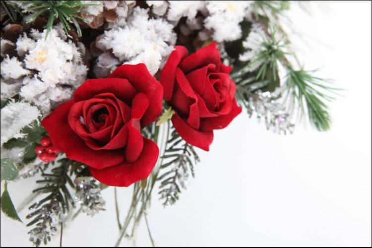 December wedding flowers red roses and white background