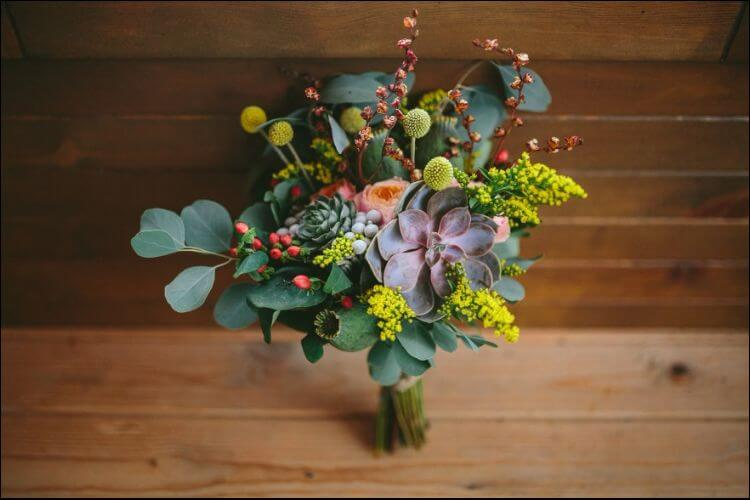 winter wedding bouquet ideas succulents bouquet