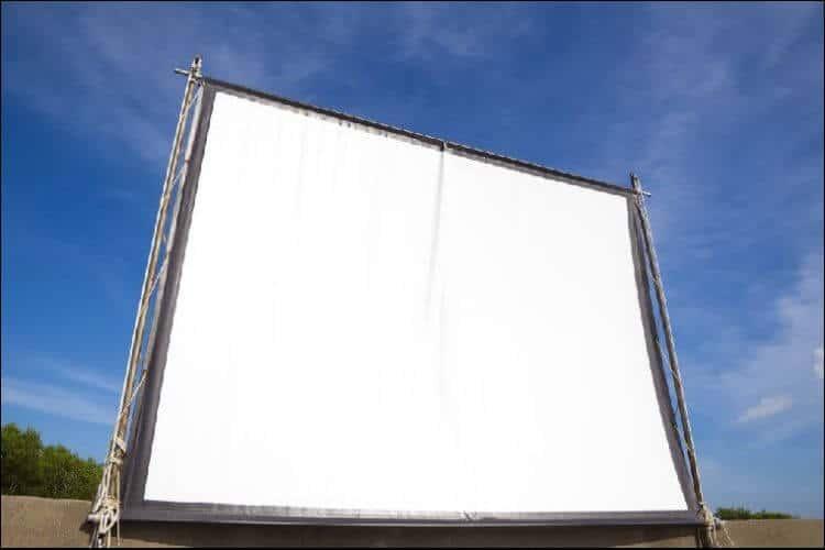 DIY backyard movie screen white screen