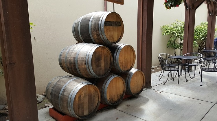 Six wine barrels one on top of the other