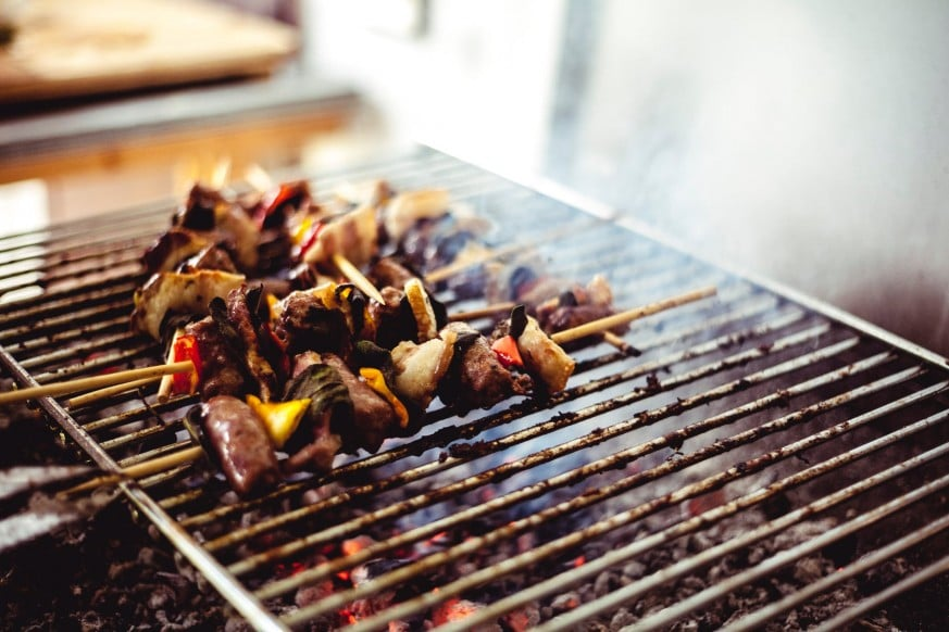 how to use a charcoal grill, charcoal grill, grill, use a charcoal grill