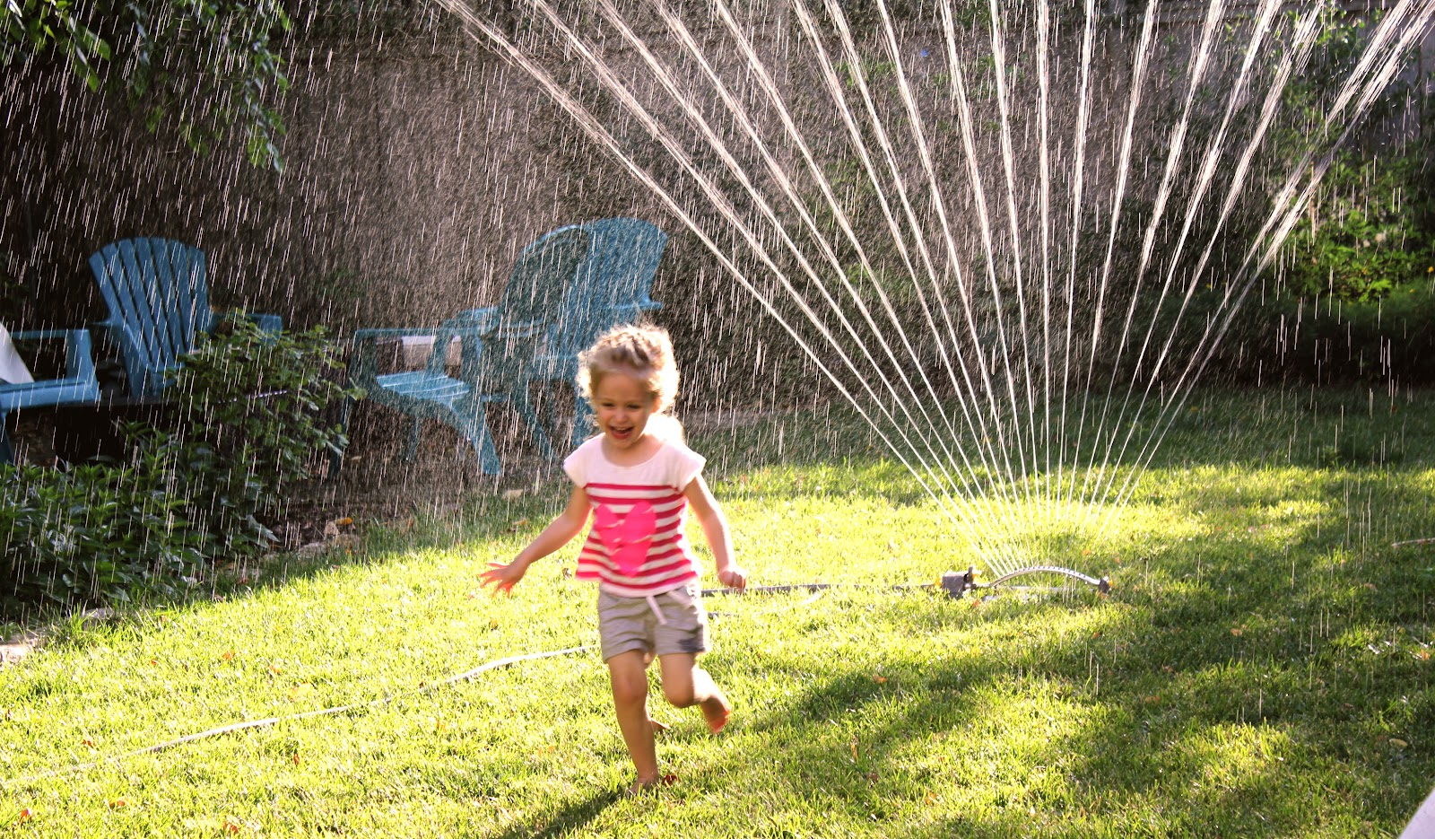 best lawn sprinkler, watering, spray pattern, stationary sprinklers, irrigation, pulsating sprinkler, oscillating, timer, irrigation systems, pressure