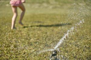 best lawn sprinkler, DIY lawn sprinkler, lawn sprinkler for kids, sprinkler system, summer