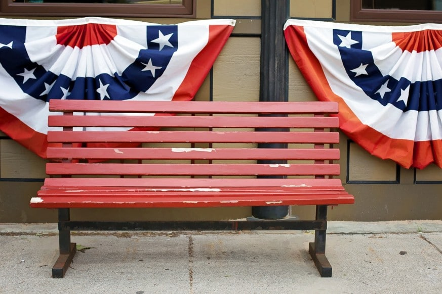 How to Make Your Own Patriotic Bunting for the Fourth of July