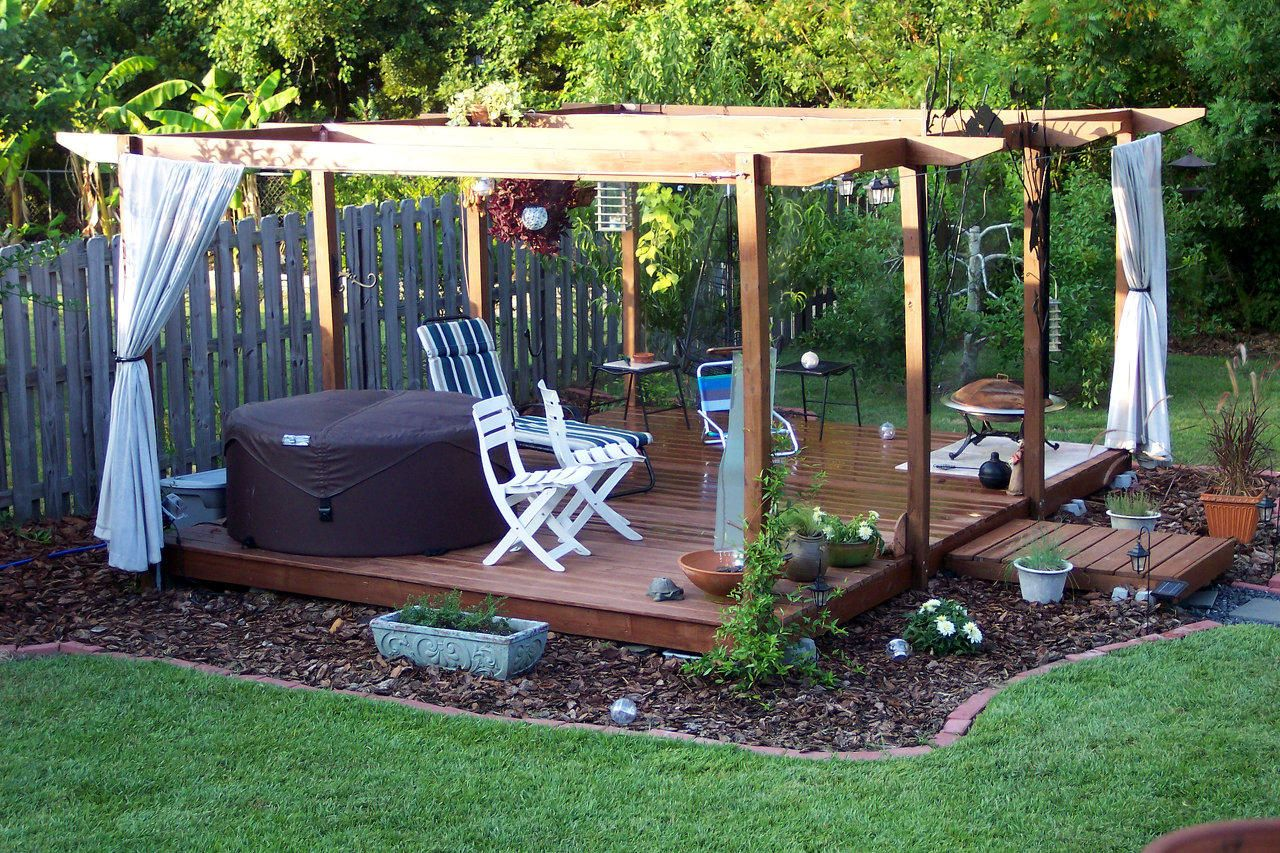 Tips to Help You Build a Floating Deck on House Backyard Deck id=99656