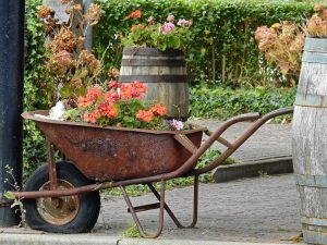 wheelbarrow upcycle