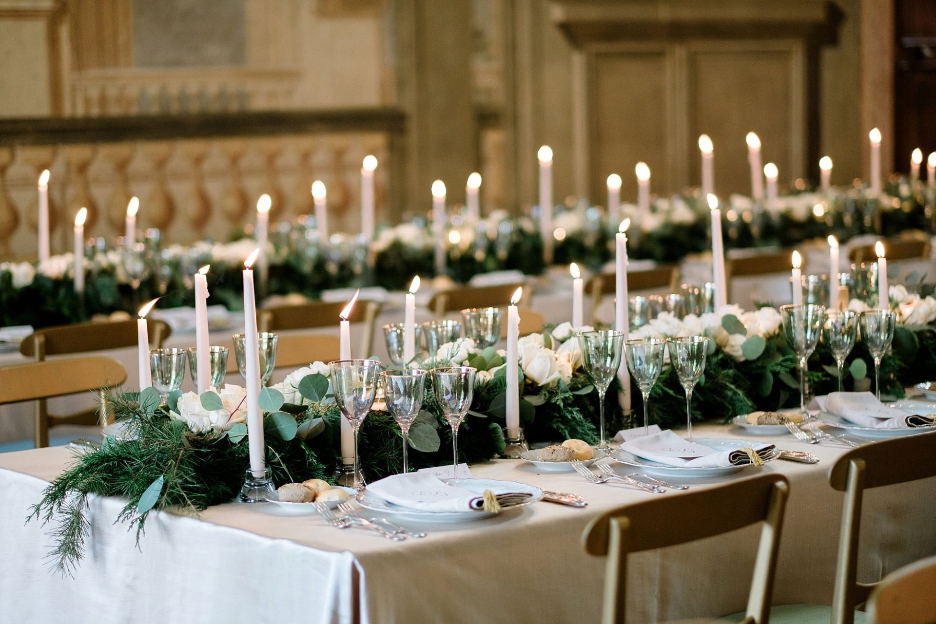 Beautiful And Elegant Ideas For A Classy Christmas Wedding